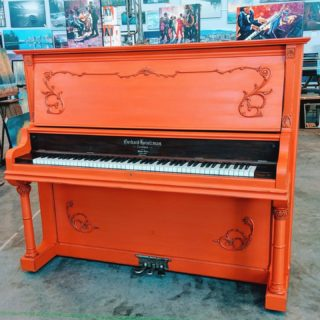 Throwback Thursday has us all nostalgic for Orangeapalooza! Have you ever thought of FATpainting your Piano? Artist: Shelley Fleming #FATPaintStudio #FATPaint #inFATuated❕ #chalkpaint #chalkpaintedfurniture #chalkpaintedpiano #diyhomeprojects #pianorevamp #FATOrangeapalooza #orangelover #upcycled #paintallthethings #colorcrush #drabtofab #revivedandrefinished #artisanlife #movieprops #becreative #newcolorinspo